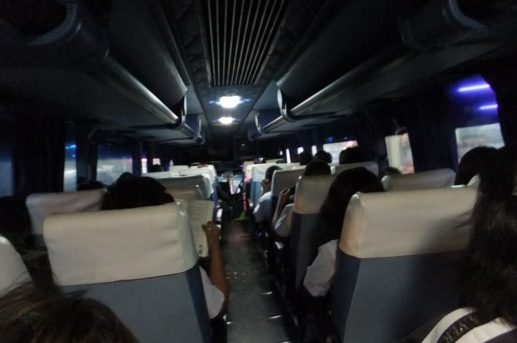 スコータイ行きバスの中は比較的きれい