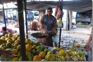 Anuradhapura-Market-Papaya