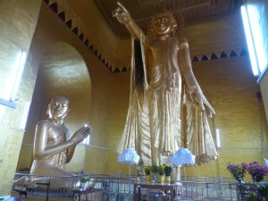 8mの仏陀像(Byadaikpay Paya)