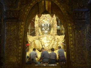 マハムニ仏像