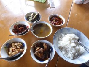 ミャンマー料理とはカレーのこと