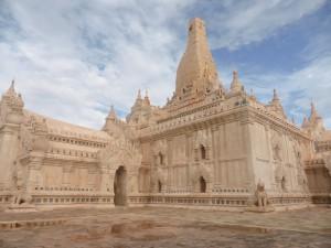 美しいアーナンダ寺院