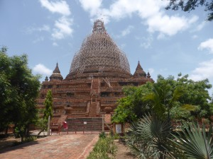 バガン王朝最後の仏塔 ミンガラゼティ