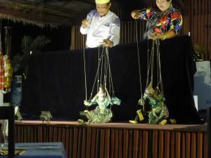 屋上レストランで毎日上演されている人形劇
