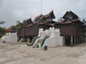 シュエヤンピイ僧院