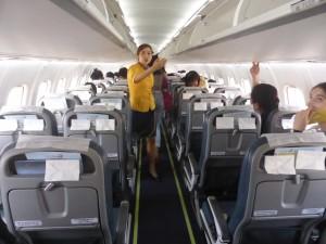 機内は全て自由席だ
