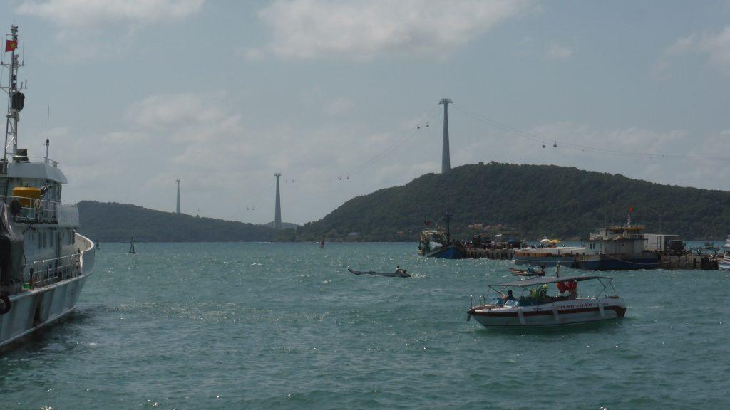アントイ国際港