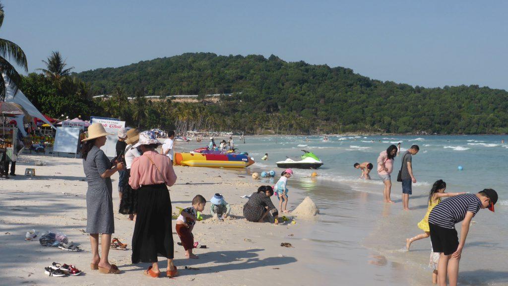 白い砂のサオ・ビーチ