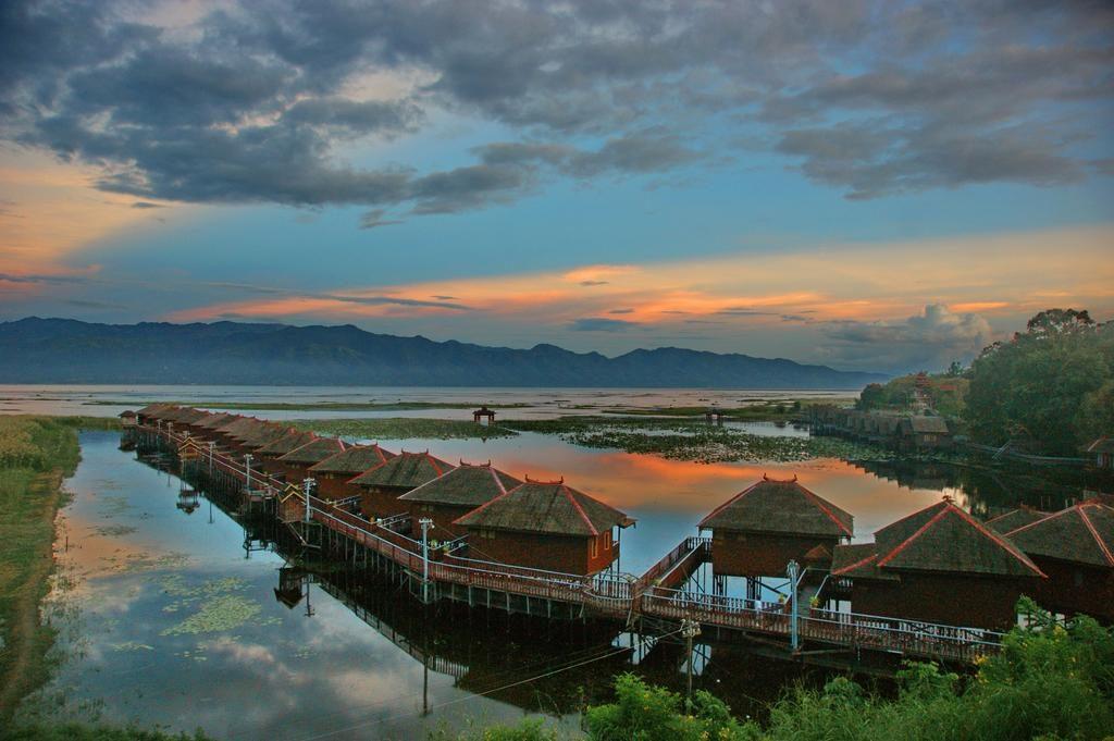 インレー湖の湖畔にあるリゾートホテル