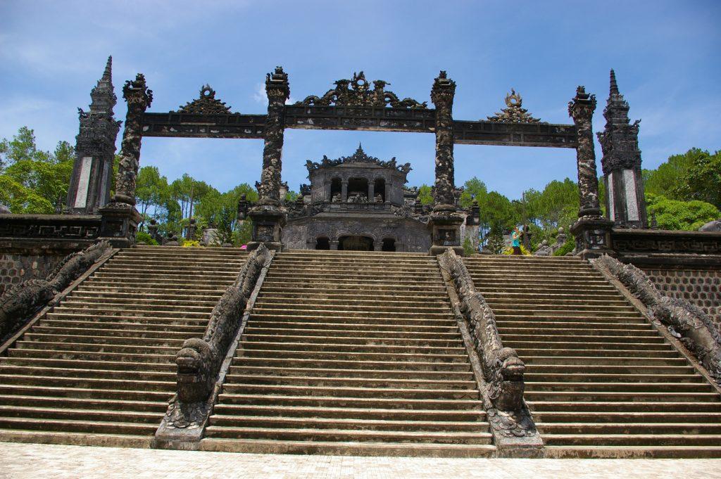 カイディン帝廟への入口階段